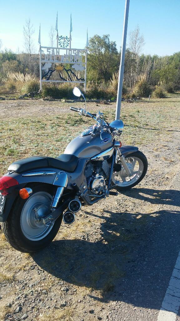 Vendo Moto Venox 250..impecable!