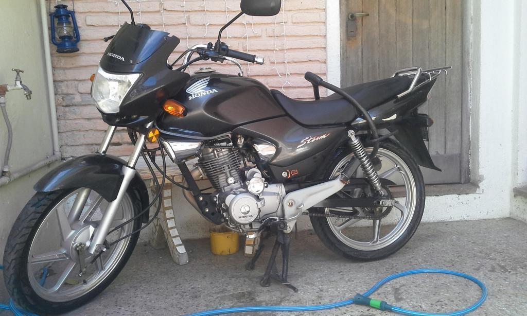 Honda Storm Negra Joya! no está fleteada!!