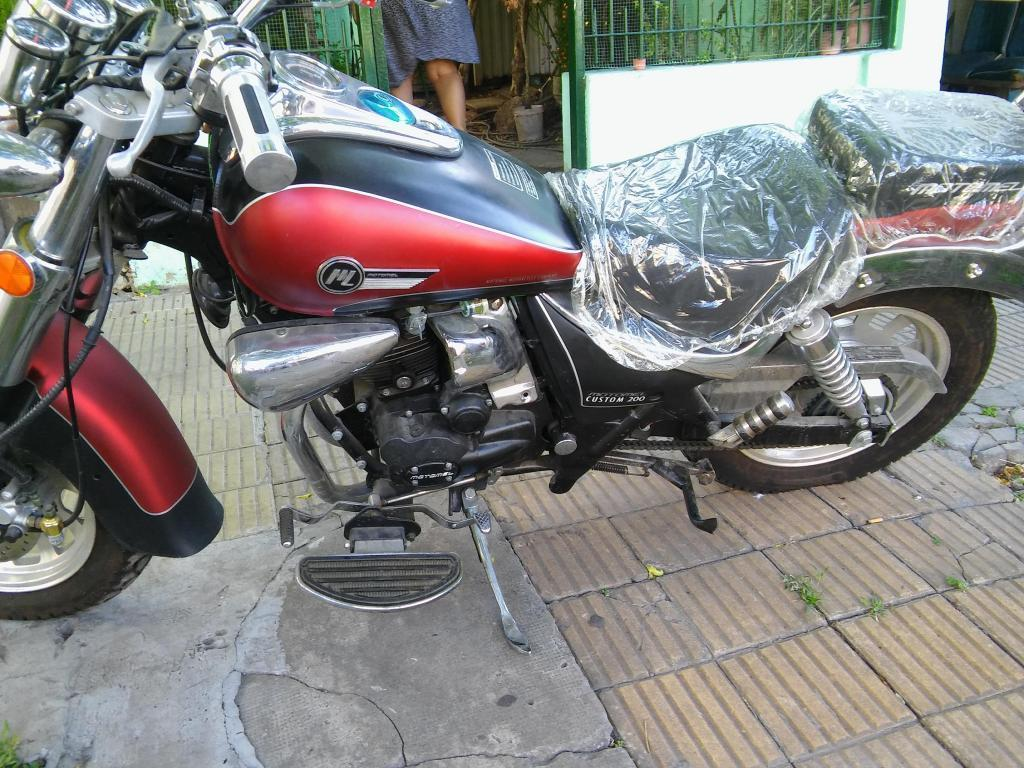VENDO MOTOMEL CUSTOM 200 COMO 0KM