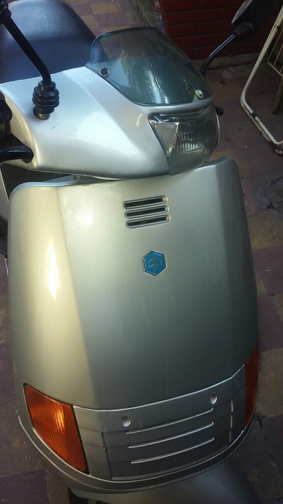 La Moto Piaggio Esta sin Tocar El Motor
