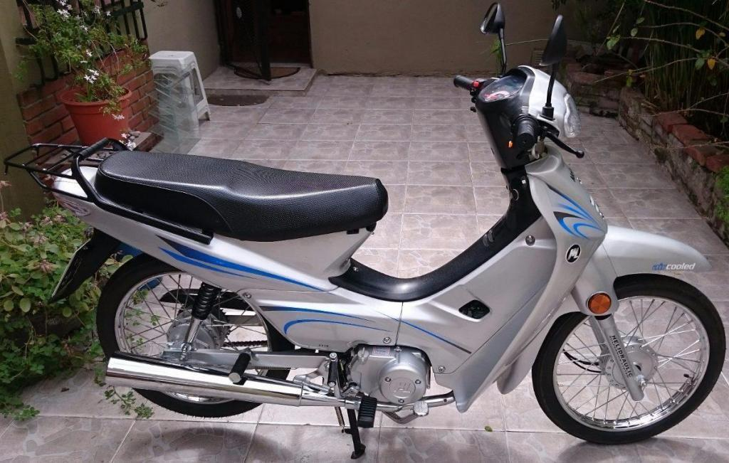 vendo dlx 110 impecable!! nueva !! 2015