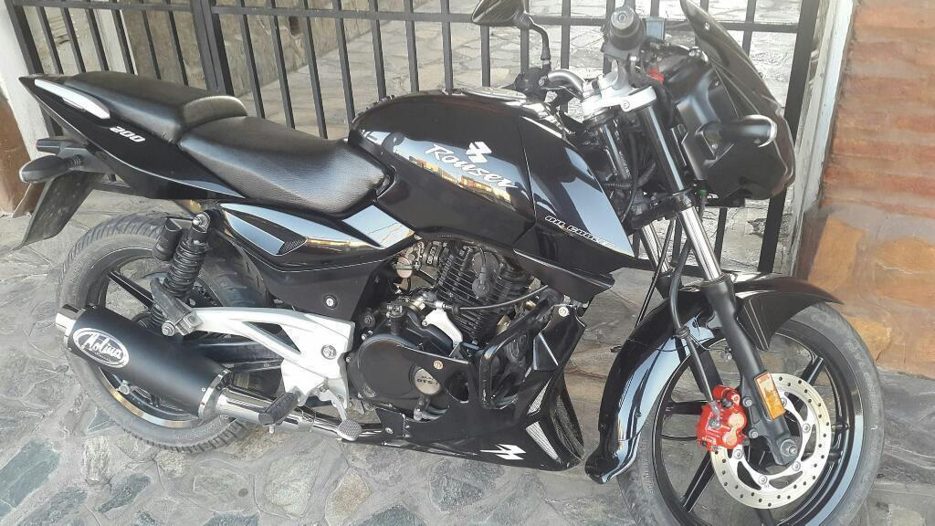 Bajaj Rouser 200cc