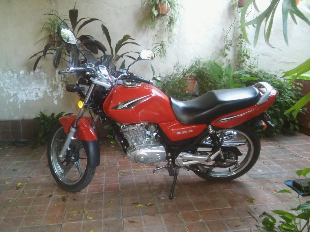 Vendo Suzuki EN1252A