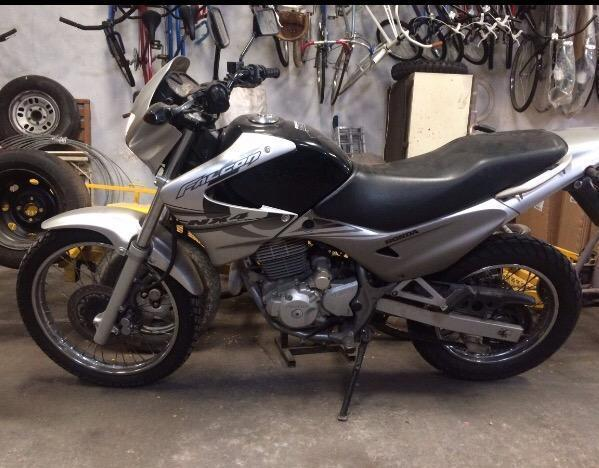 Moto Honda Falcon 400
