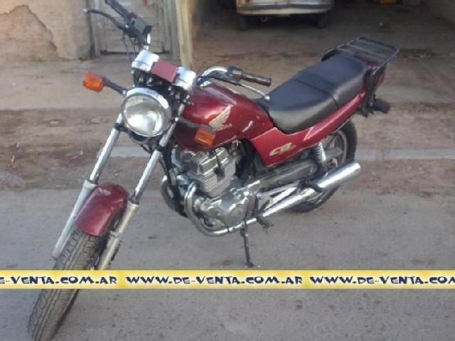 Vendo Honda NigtHawk 250 CB/1998, Modelo Full. 4.000 Dólares