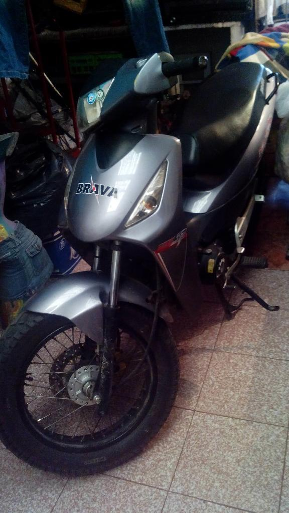 VENDO BRAVA NEVADA 125CC SP