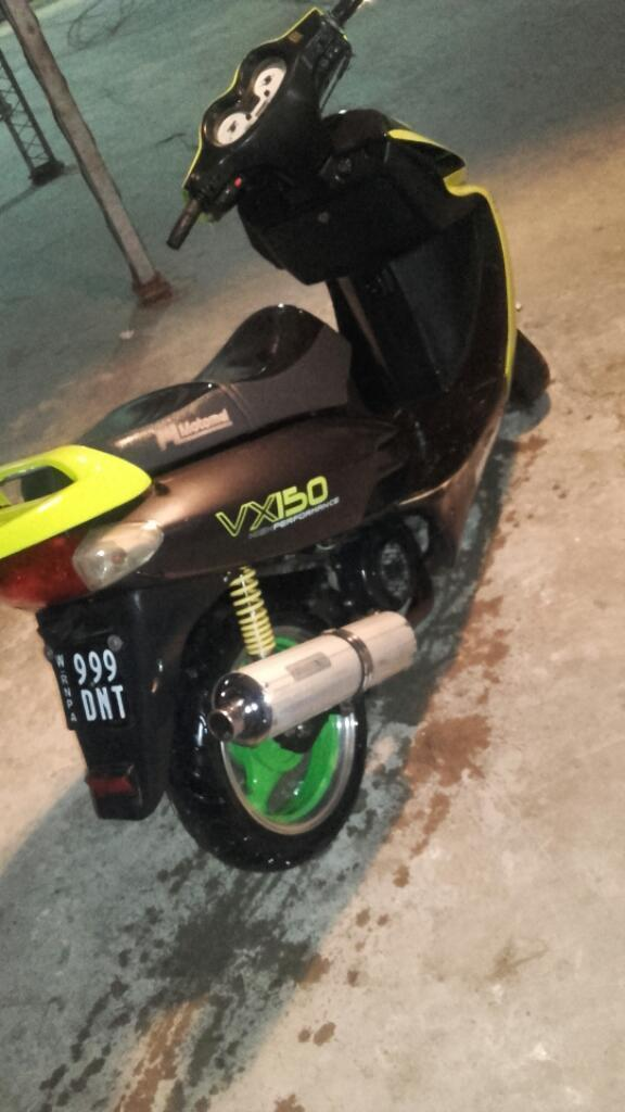 Scooters 150cc Vendo permuto x moto de mi interés