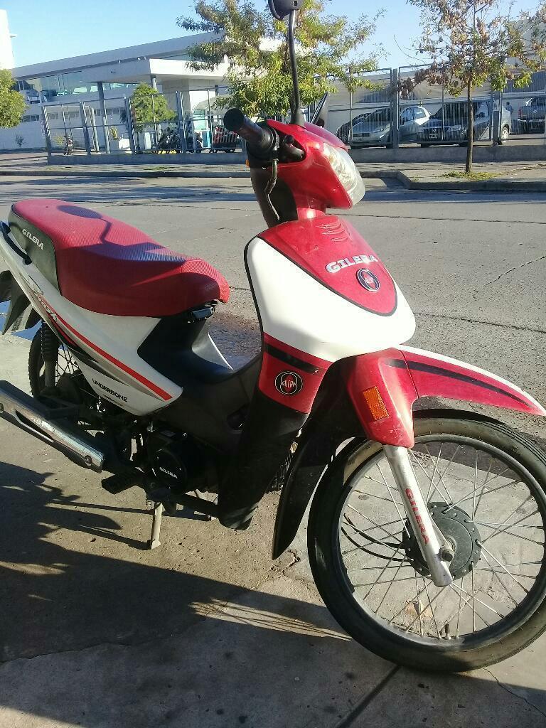 Entrego Moto Nueva Casi sin Uso por Auto