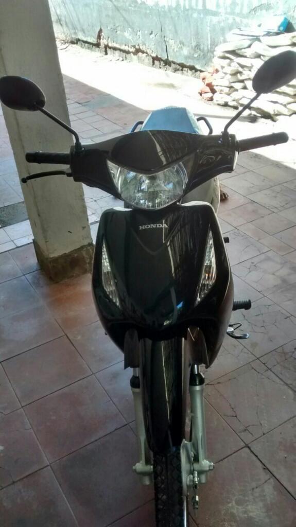Vendo Honda 125 Modelo 2014 Papeles Dia