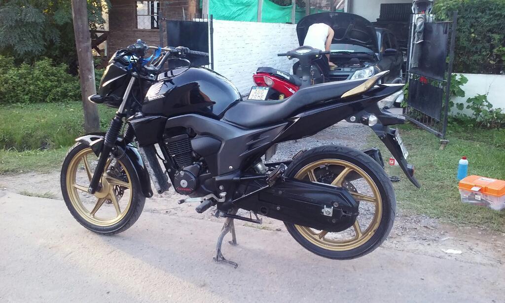 Vendo O Permuto Honda Invicta 2014