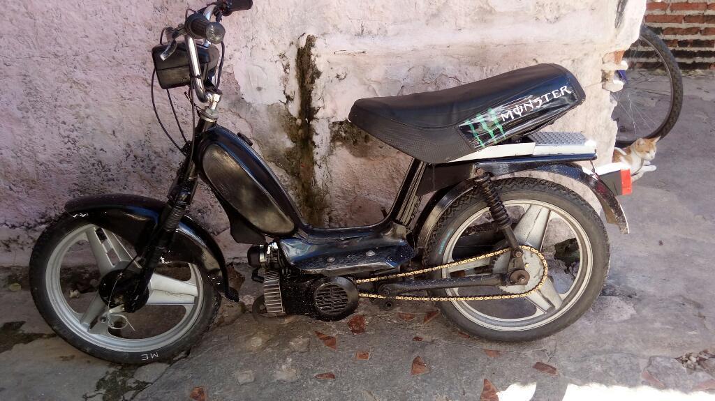 Vendo Zanella 50 con Cilindrada 70cc