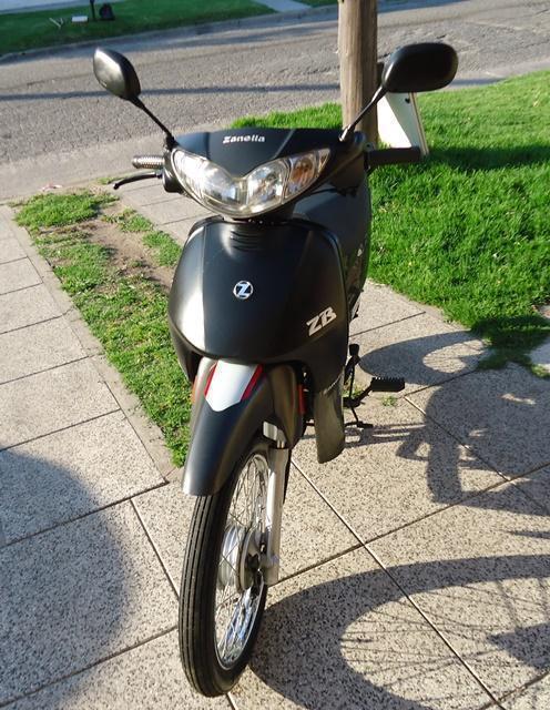 ZANELLA ZB 110 cc AÑO 2015, Vendotomo moto en part