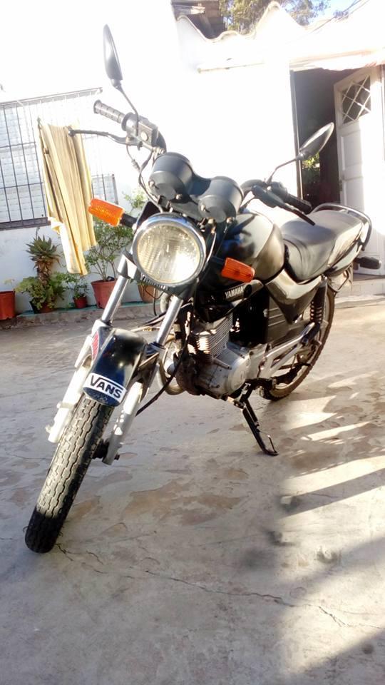 YBR 125 NEGRO