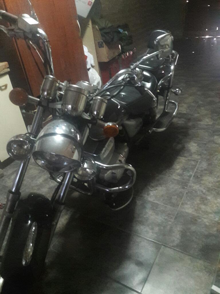 Moto Zanella Patagonia Eagle 250