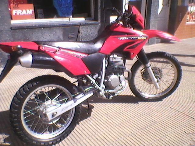 Vendo Honda Tornado 2010 titular