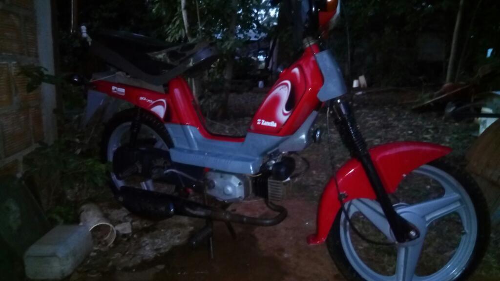 Vendo Moto. Sol 70