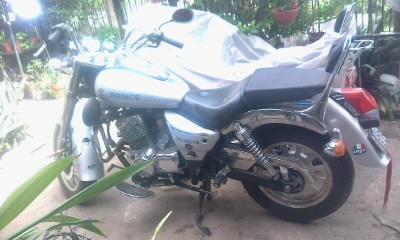 VENDO chopera Cerro Prince , 250 cc.,gris,tomaria moto y diferencia