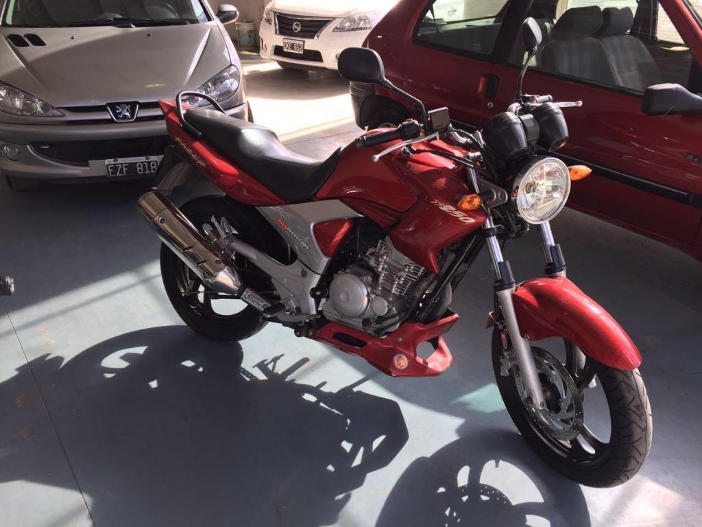 YAMAHA FAZER 250cc ! EXCELENTE ESTADO!