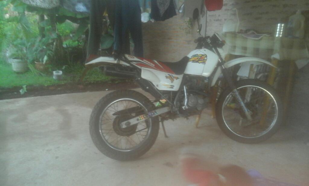 Vendo Honda 125 Xlr Modelo 98