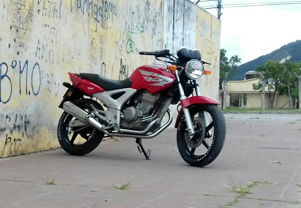 Honda Twister 250cc Mod. 13' 15900 Km