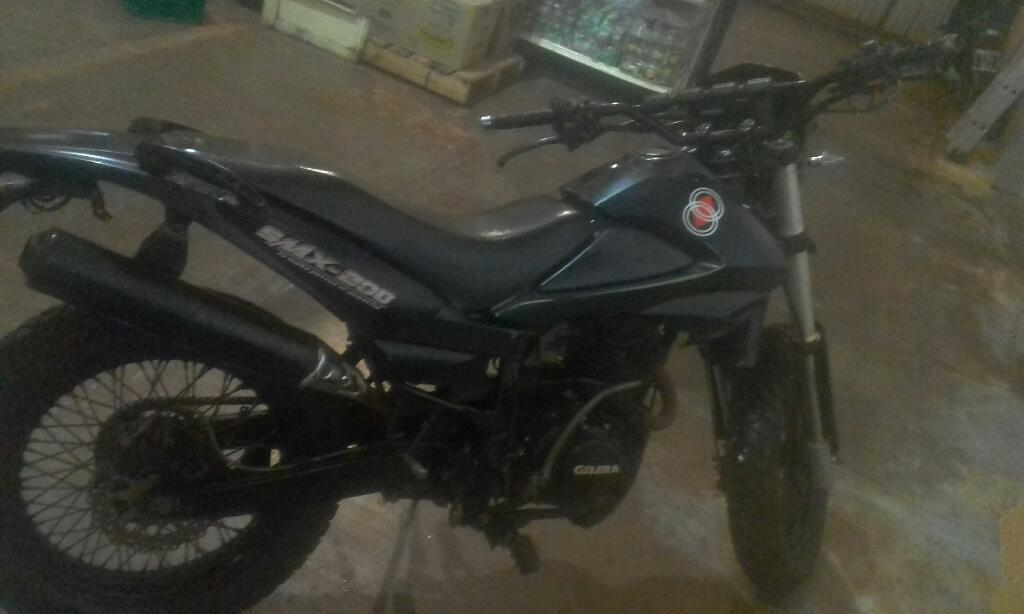 Vendo Esta Moto Modelo 2012 Smx200