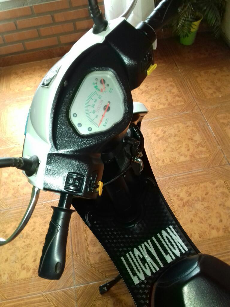 Moto Electrica 2014 Como Nueva 18000 Pes