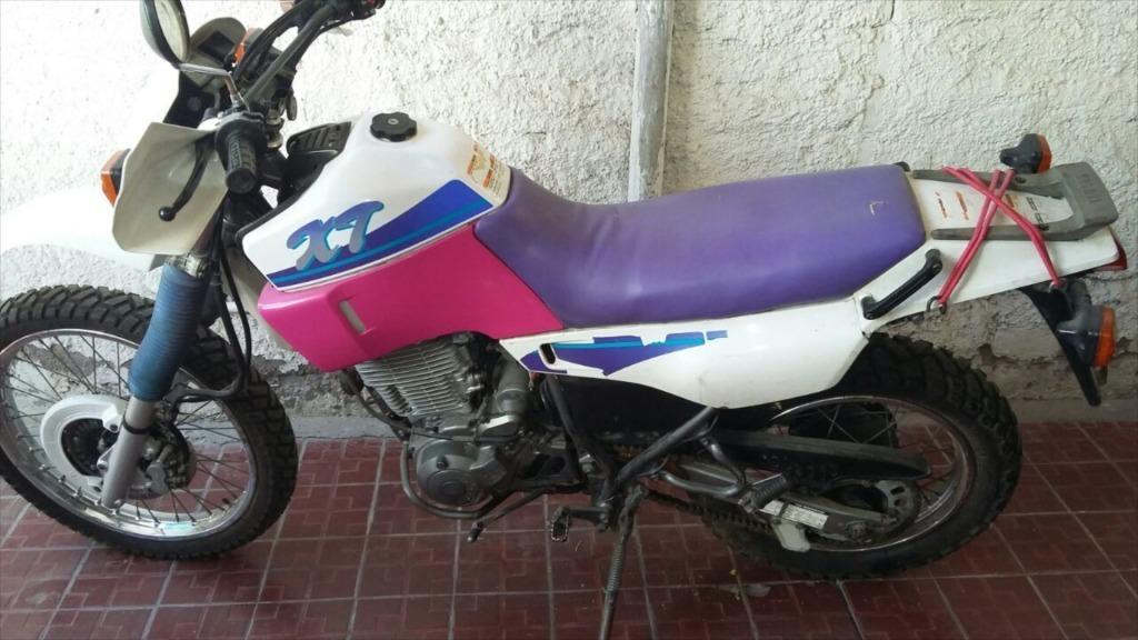 moto enduro calle modelo XT 600