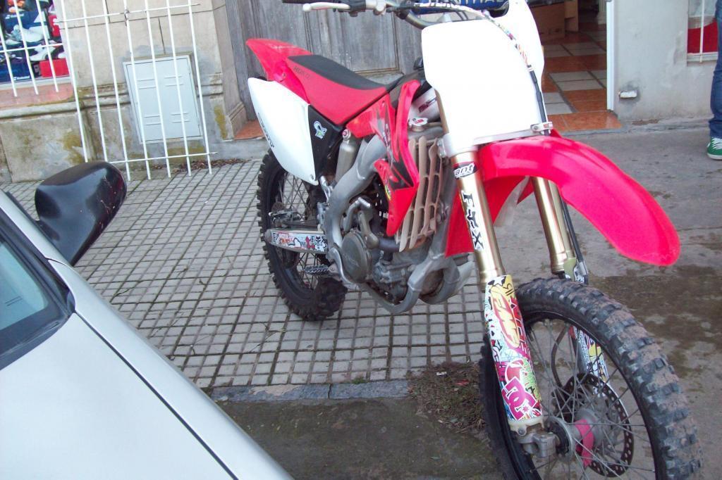 Moto Honda CRF 250 R Única mano