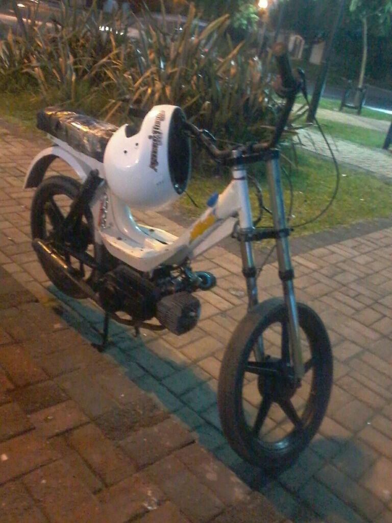Vndo Ciclomotor Mondial 50c, Andando