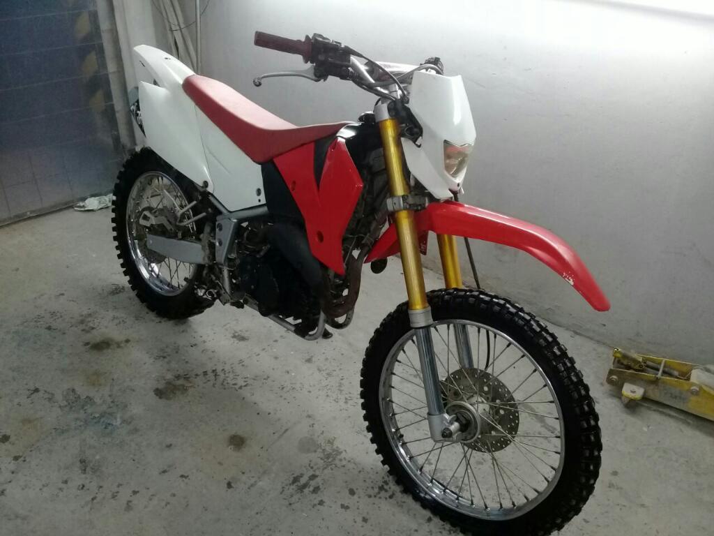 Motomel Xmm 250cc. 2013