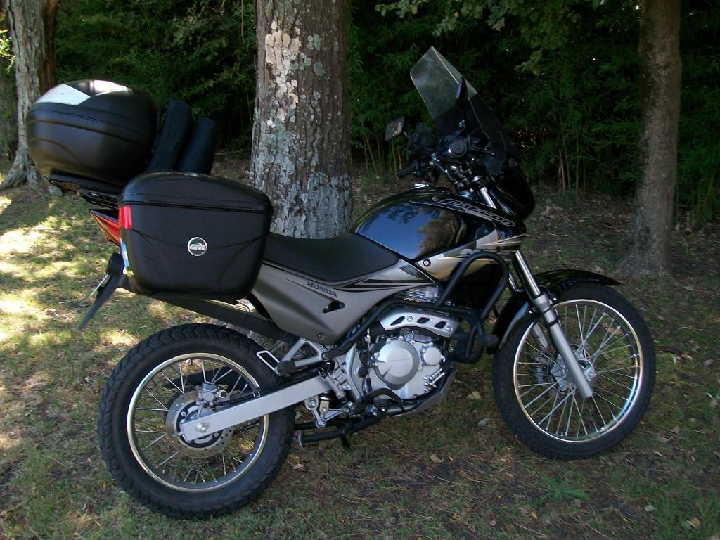 Vendo Honda Falcon, estado como nuevo, con accesorios de calidad