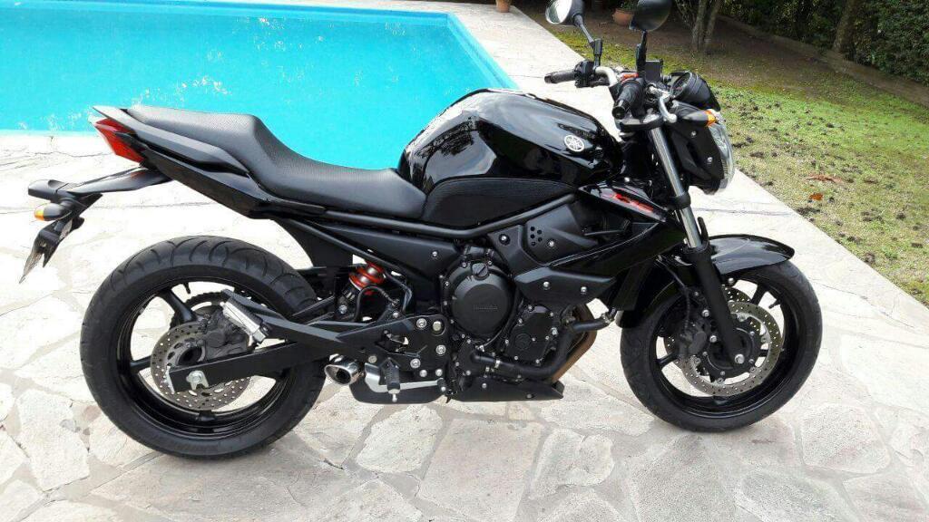 YAMAHA XJ6-N 2011 600 cm3 | moto roadster | 7 100 km