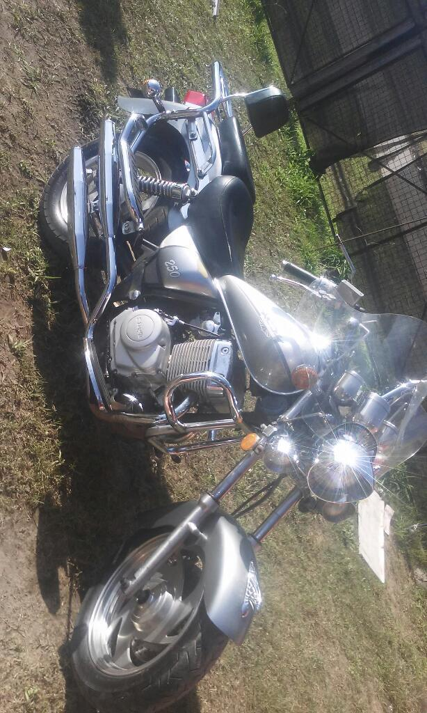 Vendo O Permuto Moto 250
