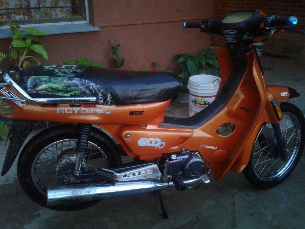 VENDO MOTOMEL ECO 70 cc