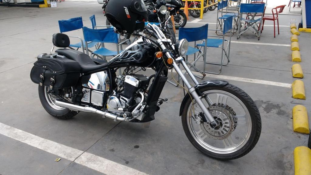 Moto Jawa Spyder 350 CC Negra