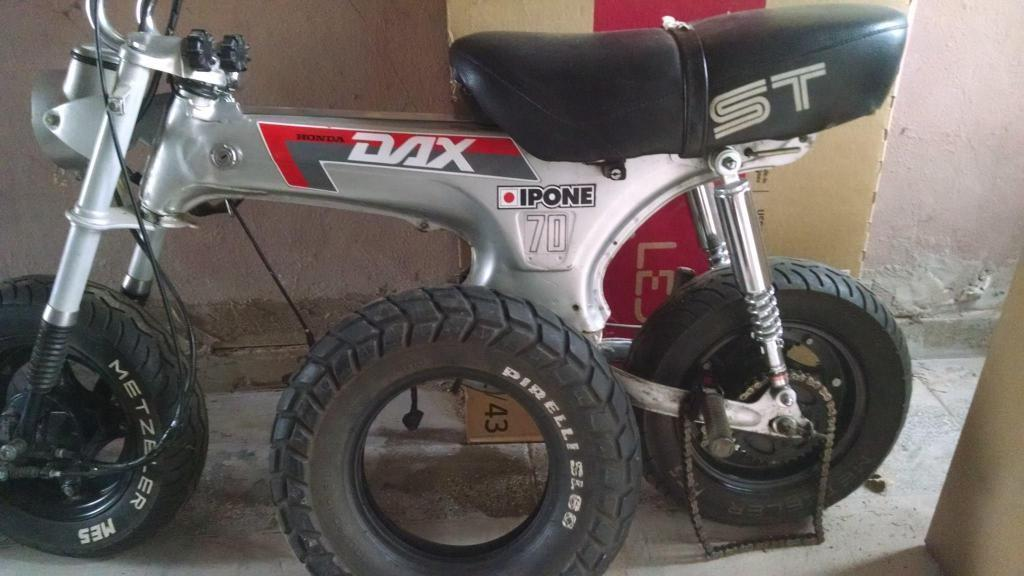 Honda Dax lote de repuestos