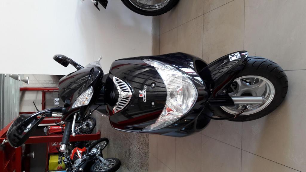 moto suzuki an 125 tipo scooter
