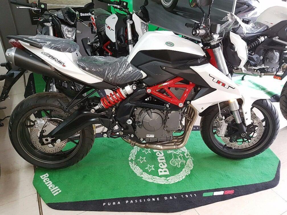 Yamaha Naked - Brick7 Motos