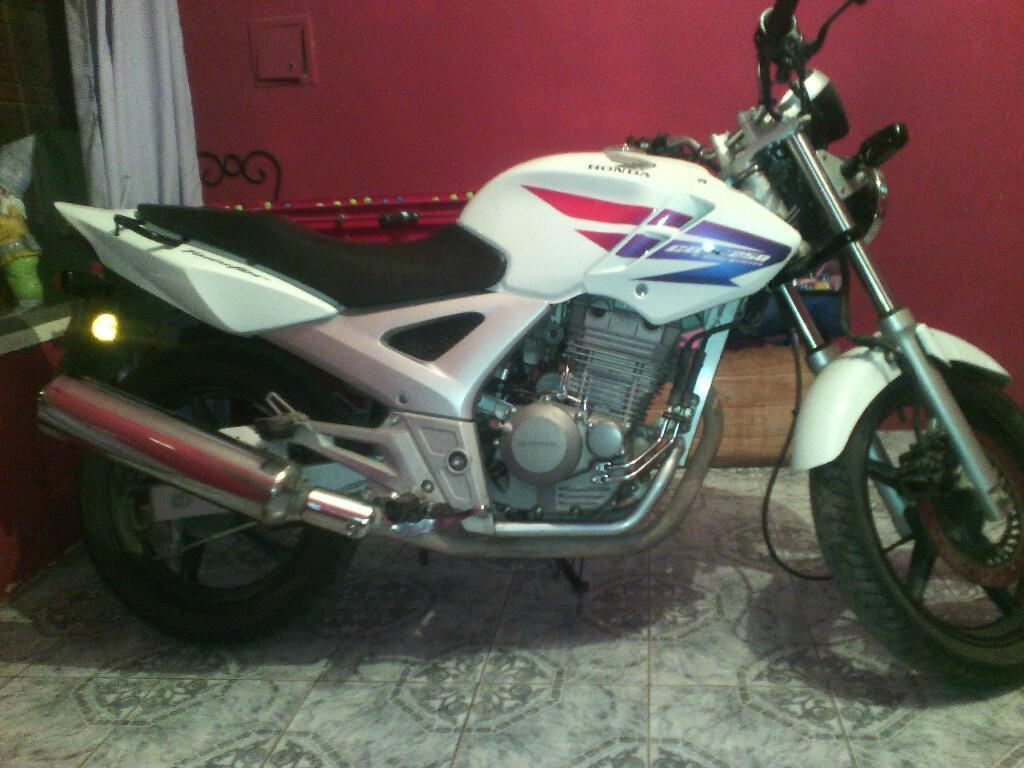 Vendo Honda Twister 250