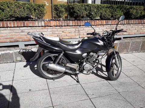 Hermosa Honda Storm 125cc Negra