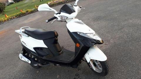 Scooter Suzuki An 125// 2013// tomo moto/ tarjetas/cred dni