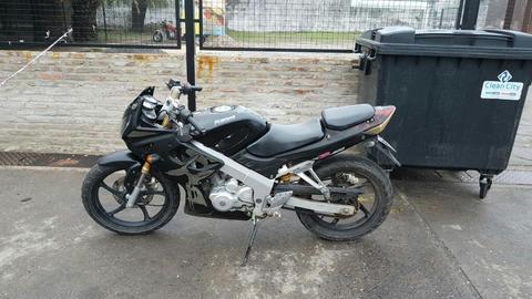 Moto 200cc $16000