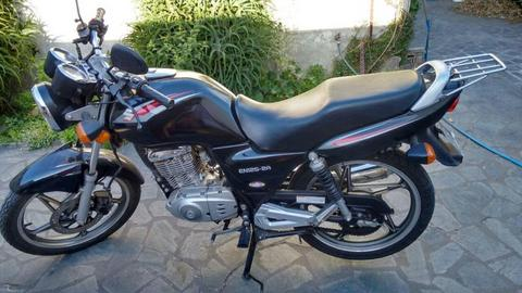 Moto 125 Suzuki en125 2a