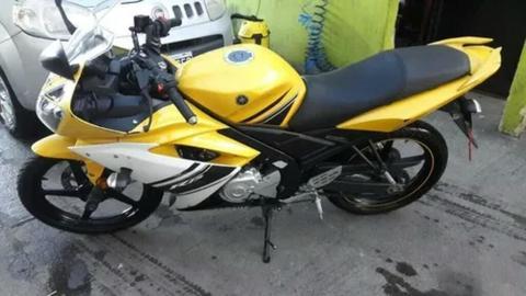 Moto Yamaha R15