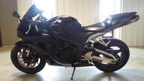 2011 Honda CBR 600RR, millas bajas