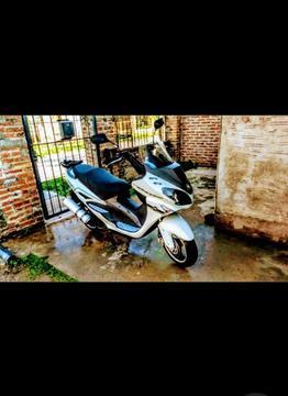 Scooter 150cc Strato Advance Motomel